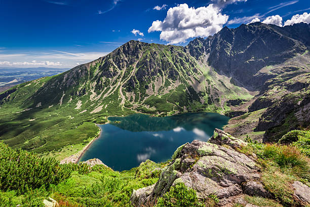 wonderful sunrise at czarny staw gasienicowy in summer, tatras - polonya stok fotoğraflar ve resimler