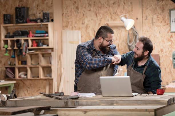 Holz-Designer – Foto