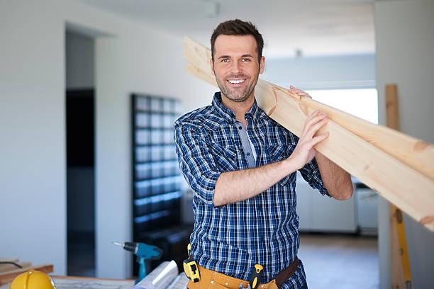Wood Schreibtische für neue Bücherregal in guten Händen. – Foto
