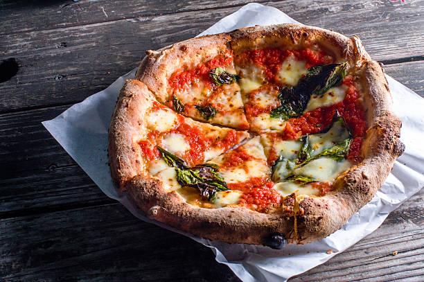 Holzofen-Pizza Margharita – Foto