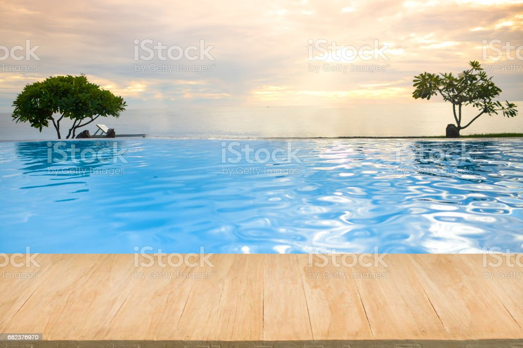 Wood floor with background of sea view at sunset foto stock royalty-free