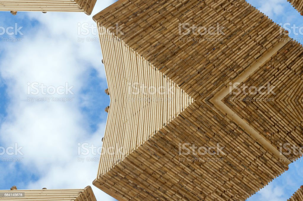 Wood ornamental pattern against blue sky foto stock royalty-free