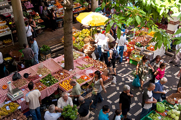 madeira scene on the mercado dos lavradores in Madeira market hall stock pictures, royalty-free photos & images
