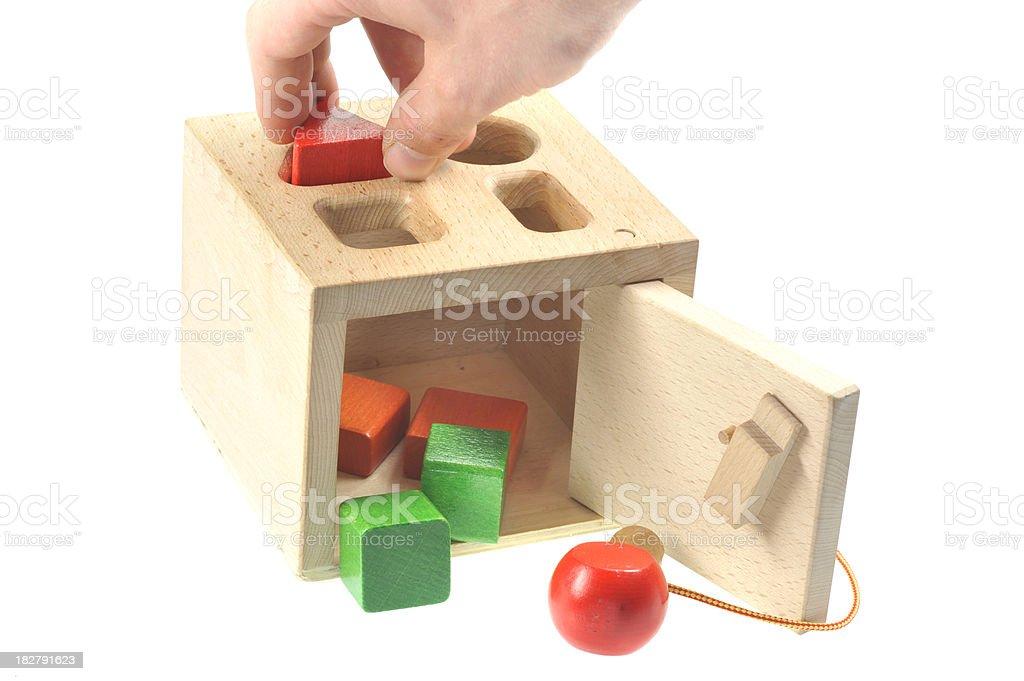 Brinquedo de madeira-die richtige forma finden - foto de acervo