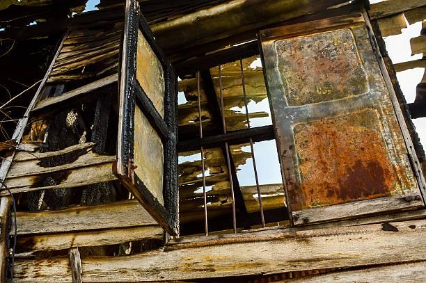 wood window after fire burn - brand sotiga fönster bildbanksfoton och bilder