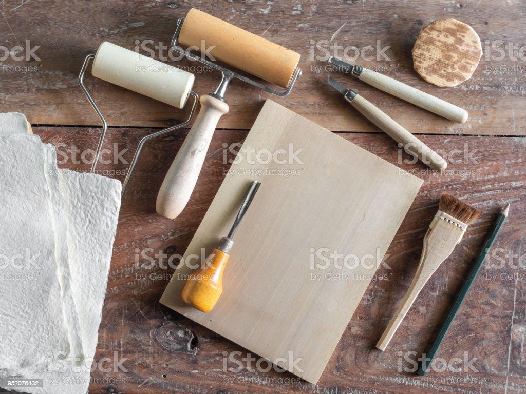Arte de grabar en madera herramientas - foto de stock