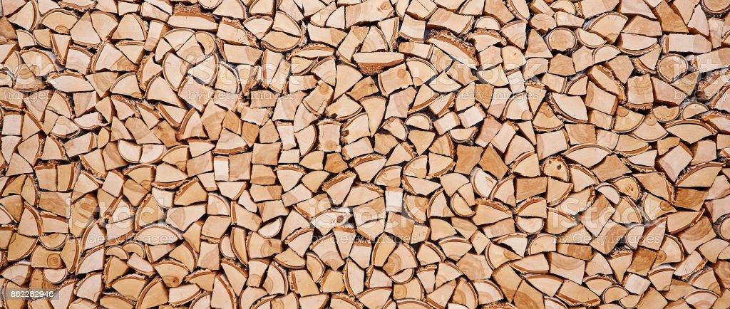 Hölzerne Hintergrund von zerbrochenen Baumstämmen – Foto