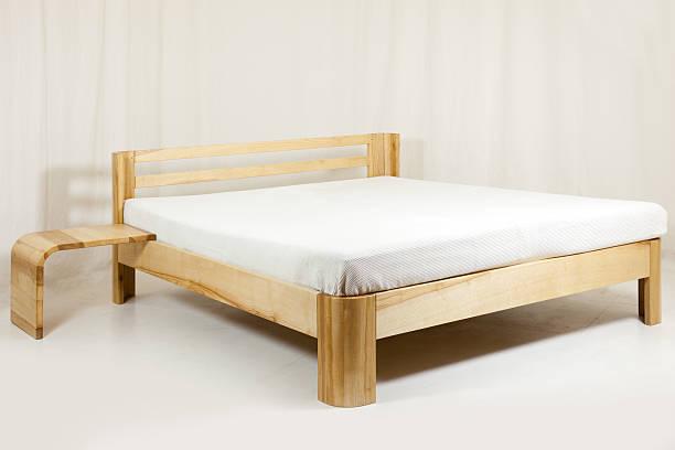 Holz-Bett – Foto