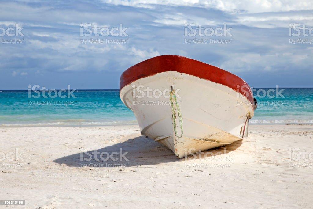 Barco de madeira - foto de acervo