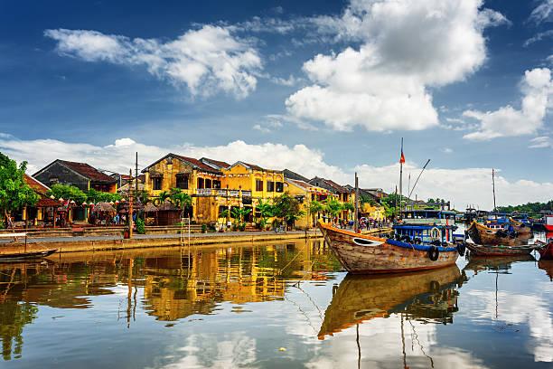 wooden boats on the thu bon river, hoi an, vietnam - 호이안 뉴스 사진 이미지