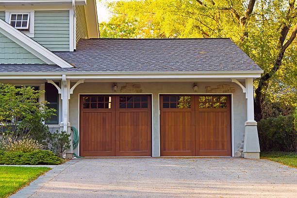 wooden car garage - kapı stok fotoğraflar ve resimler