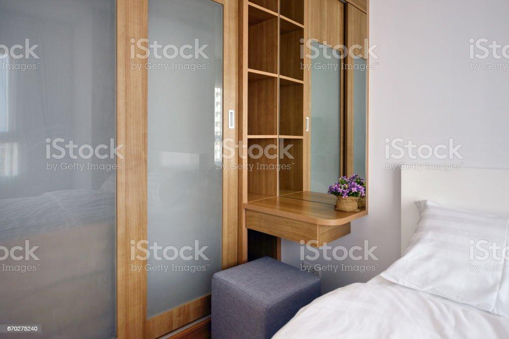 Hölzerne Carbinets Im Luxus Modernen Schlafzimmer Einrichtung Und  Dekoration, Innenarchitektur Lizenzfreies Stock Foto