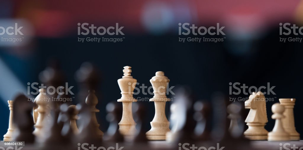 Wooden chess pieces on a chessboards - Royalty-free Acordo Foto de stock