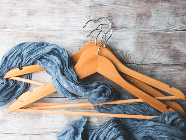 Wooden clothes hangers. What to wear - Photo
