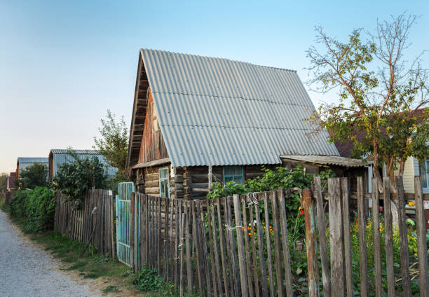 Wooden country house Wooden country house in Russia russian dacha stock pictures, royalty-free photos & images