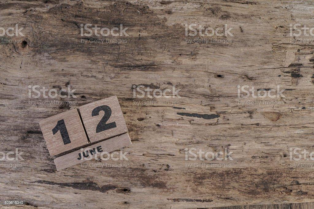 Cubo de madeira calendário de junho, com espaço para texto - foto de acervo