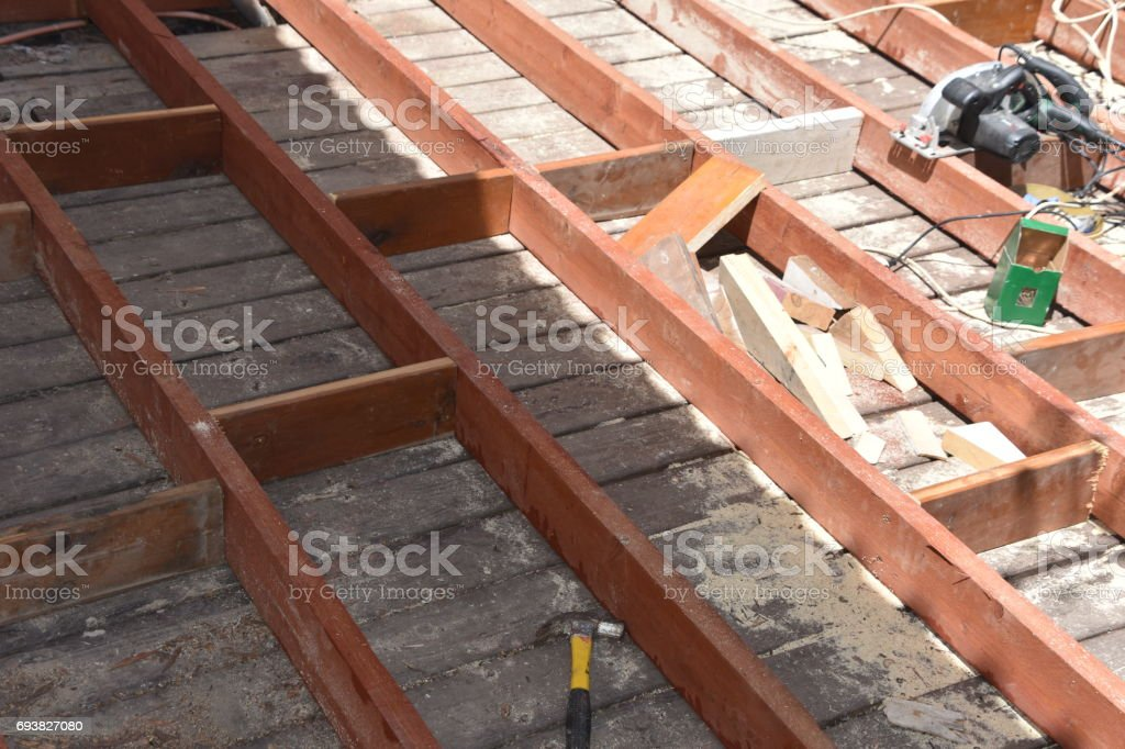 Construcción De Terraza De Madera Foto De Stock Y Más Banco