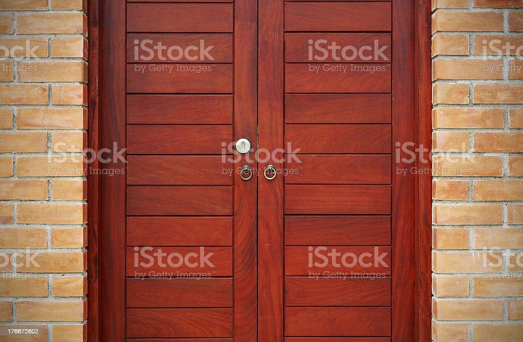 Puerta de madera foto de stock libre de derechos
