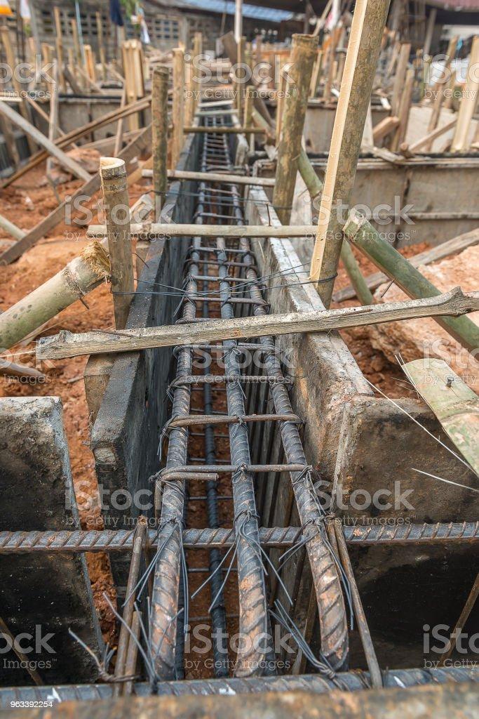 Wooden formwork concrete of beam - Zbiór zdjęć royalty-free (Betonowy)