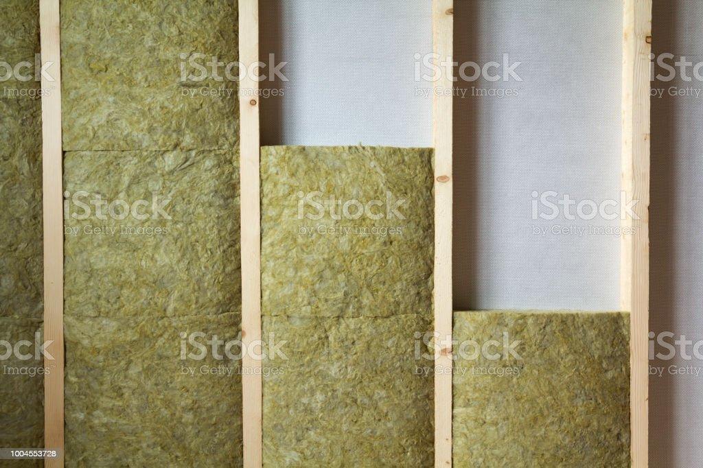 Holzrahmen Für Zukünftige Wände Isoliert Mit Steinwolle Und ...