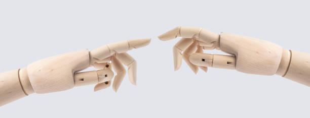 hölzerne Hand mit Start Haltung isoliert auf weiss – Foto