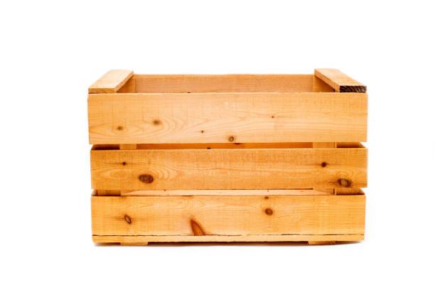 große Holzkiste auf weißen Hintergrund isoliert – Foto