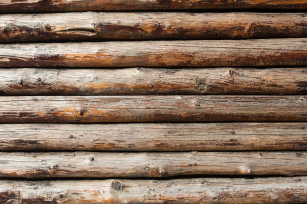 ahşap günlükleri duvar - kütük ev stok fotoğraflar ve resimler