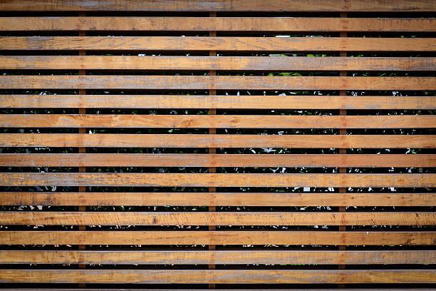 louver de madeira - com portada imagens e fotografias de stock