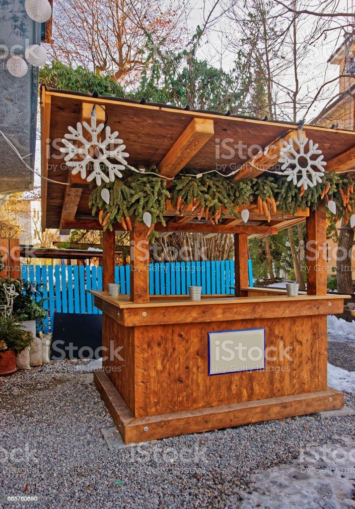 Hölzerne Marktstand In Dekoriert Für Weihnachten In Garmisch