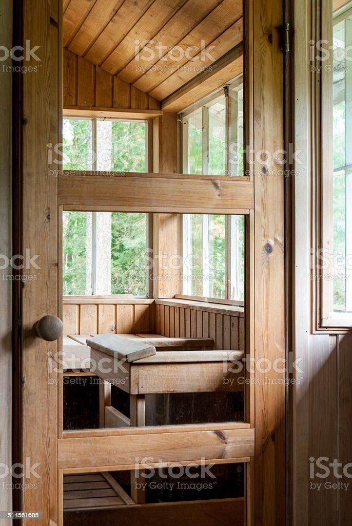 Holzerne Sauna In Der Mitte Eines Forest Stockfoto Und Mehr