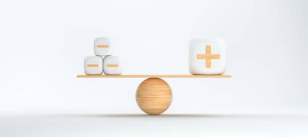 Holzwaage Balancenwürfel mit Plus- und Minussymbolen - 3D gerenderte Illustration – Foto
