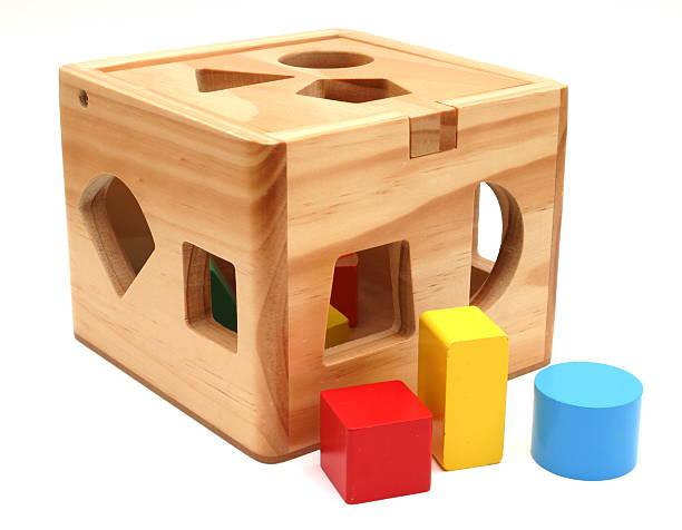 Forma de juguete de madera - foto de stock