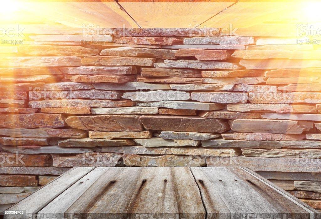 Houten Planken Op De Muur.Houten Planken Boven Leeg En Vloer Plafond In Stenen Muur