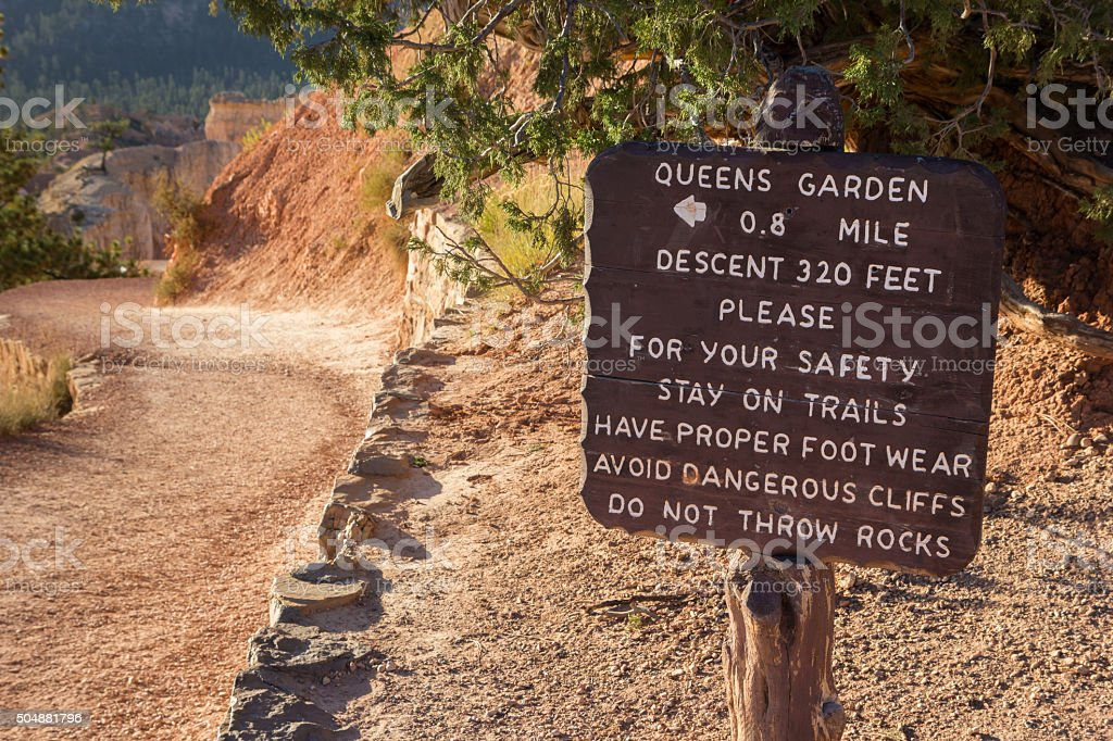 Wooden sign at Queens Garden trail in Bryce Canyon stock photo