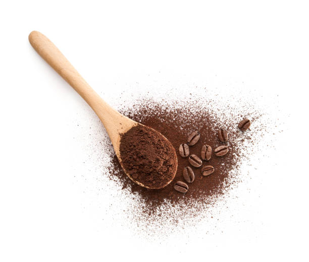 wooden spoon filled with coffee powder - café solúvel imagens e fotografias de stock