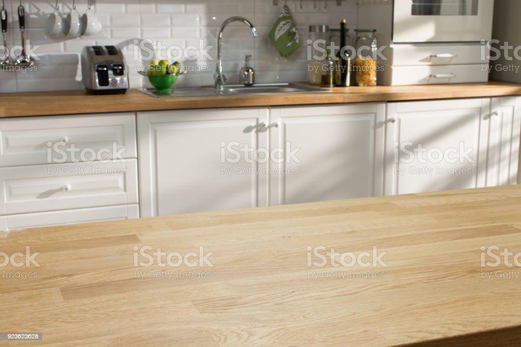 Mesa de madeira da cozinha - foto de acervo