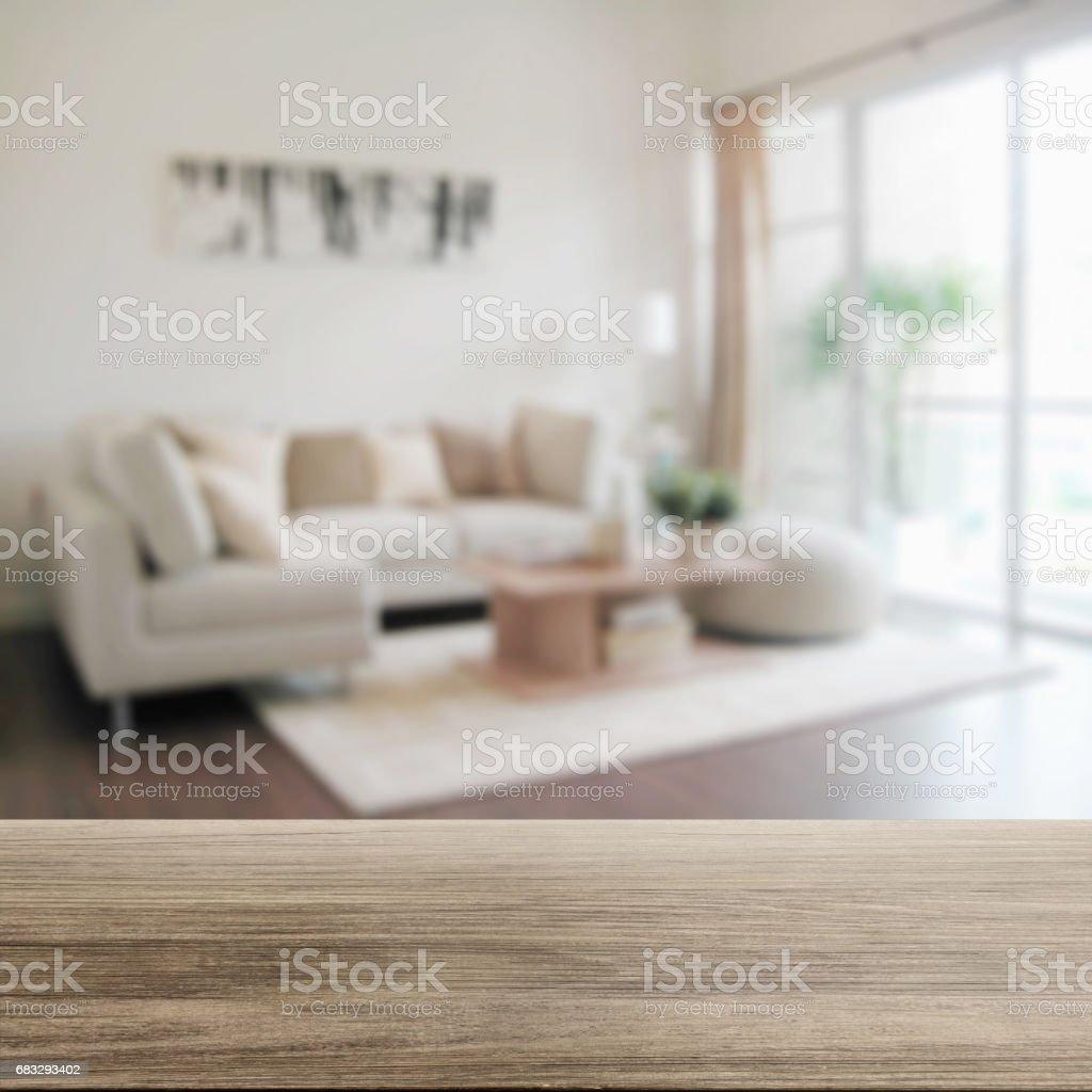 Mesa De Madeira Com Desfoque Of Modern Interior De Uma Sala De Estar Foto  Royalty