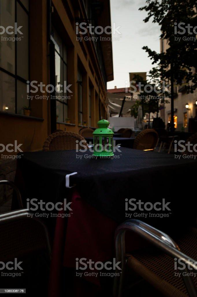 Mesas De Madera En La Terraza De Un Bar Foto De Stock Y Más