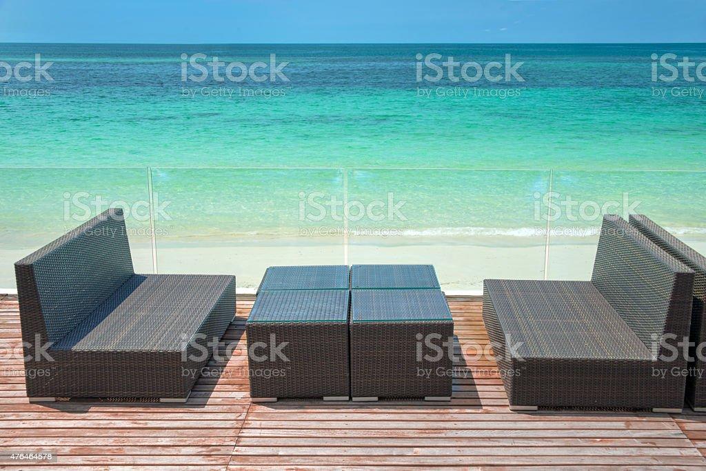 Perfecta Terraza De Madera Con Vista Al Mar Sala De Estar
