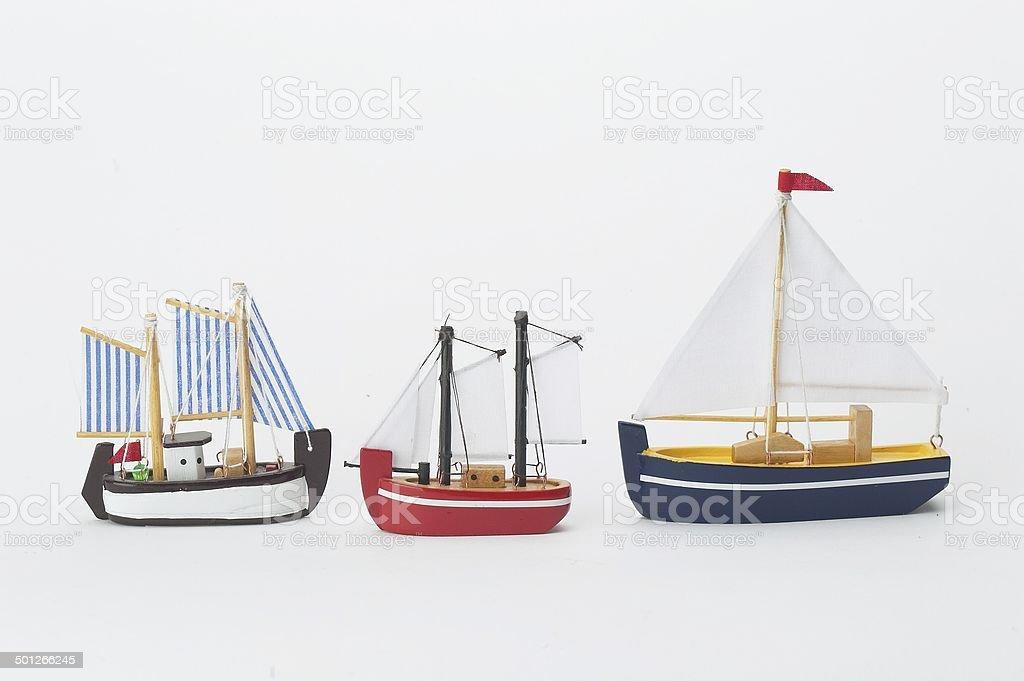 Barcos de brinquedo de madeira - foto de acervo