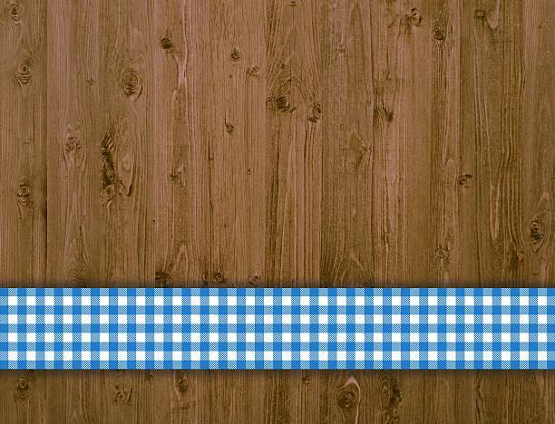hölzerne wand mit blauen tischtuch - bayerische brotzeit stock-fotos und bilder