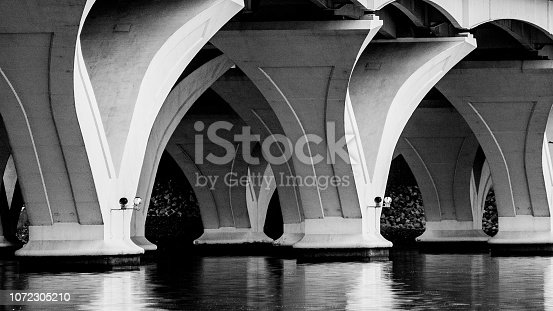 Columns to the Woodrow Wilson Bridge