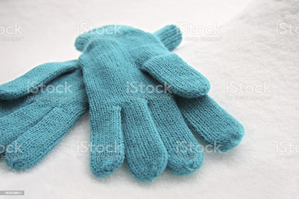 Woolen Gloves on the Snow, Handschuhe royalty-free stock photo