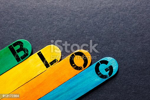 istock Word Blog of color wood 913172354