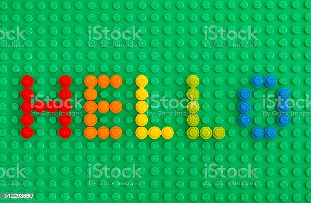 Word Hello Spell Out From Lego Round Bricks 照片檔及更多 1號 照片