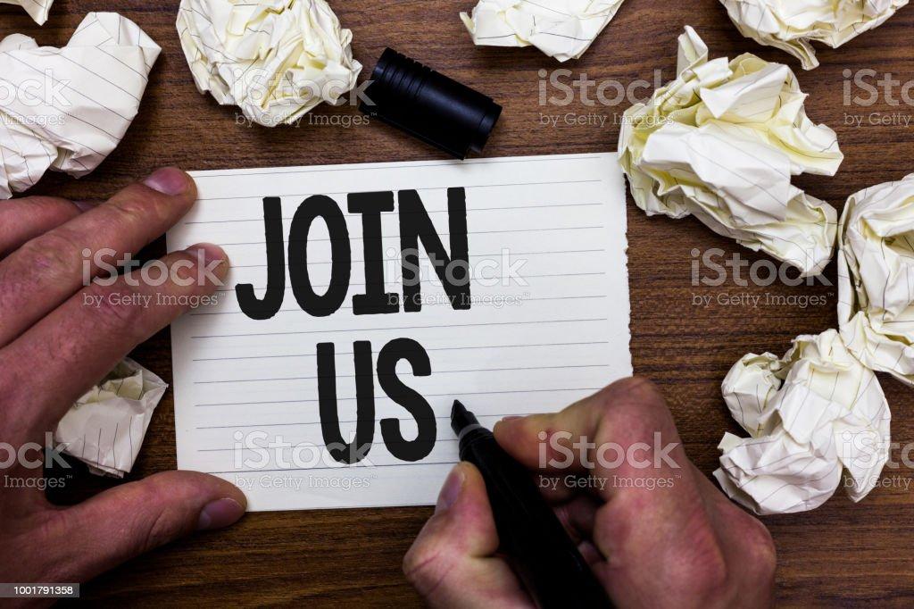 参加私たちのテキストの書き込みを単語します。チームのコミュニティやブログに登録のビジネス コンセプトは、ソーシャル メディア抱きかかえたマーカー ノートくしゃくしゃページ論文� - つながりのロイヤリティフリーストックフォト