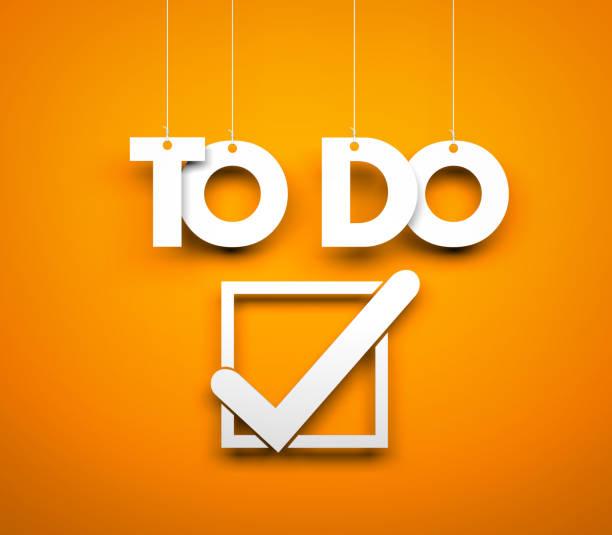 TO DO - Worte hängen auf orangem Hintergrund. 3D illustration – Foto