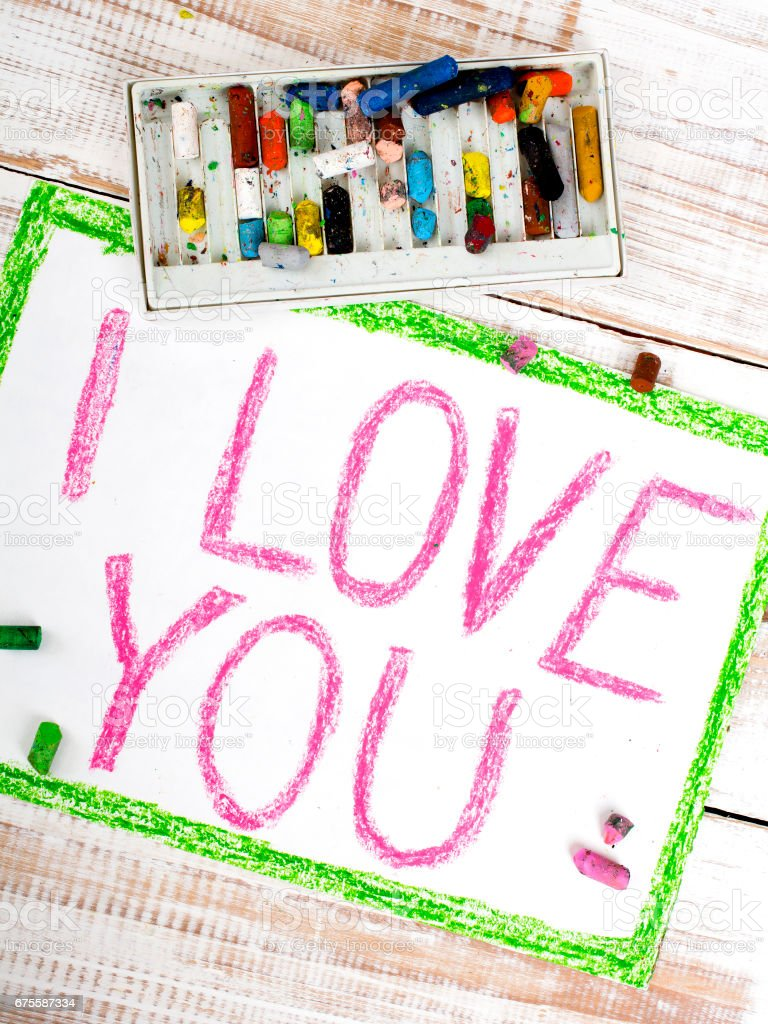 words  I LOVE YOU written in crayon on paper foto de stock royalty-free