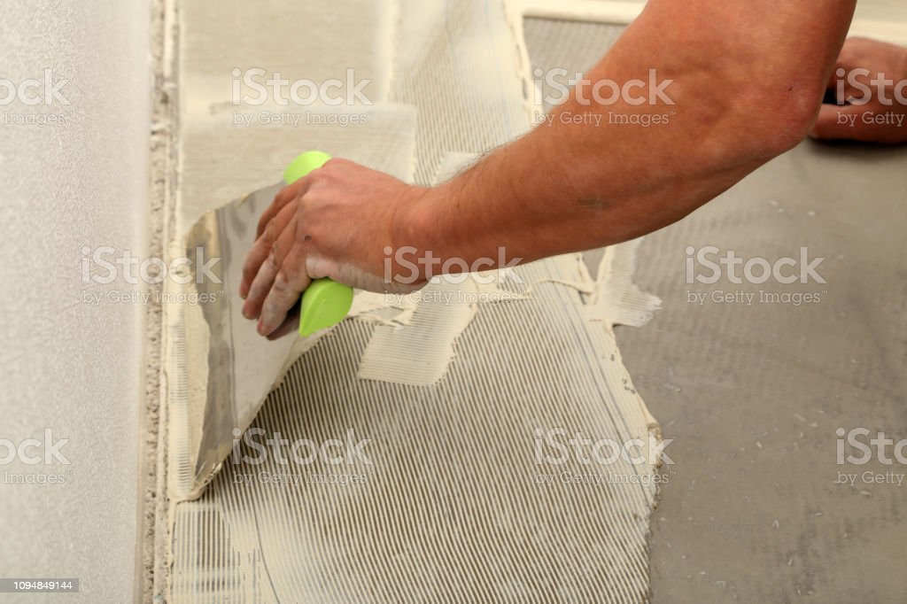instalación de pisos de baldosas de vinilo