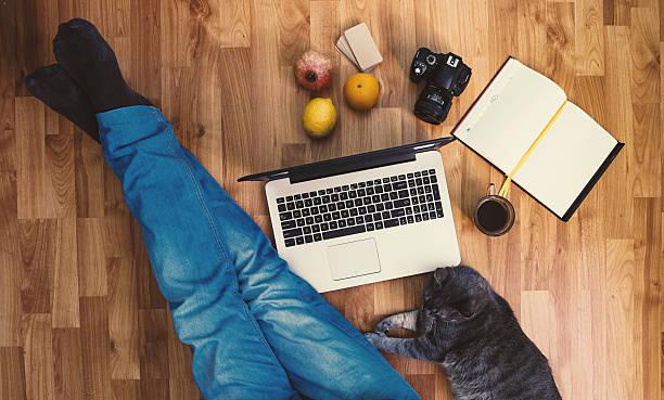 Work space man working with his cat picture id513323310?b=1&k=6&m=513323310&s=612x612&w=0&h=uam qhhd4dglbkk9svii0j7sayvngokj9nsk t44pps=